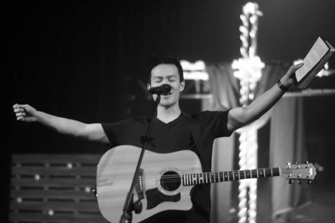 WorshipSunday16-4
